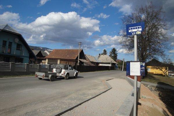 Nová autobusová zastávka.