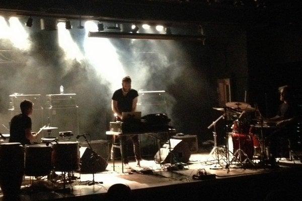 Elektronika, gitary, dvojo bicích. Najväčšia hviezda festivalu  Wilsonicu 2014 je Ben Frost.