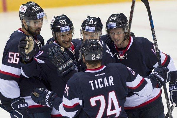 Hokejisti Slovana Bratislava sa tentoraz z víťazstva netešili.
