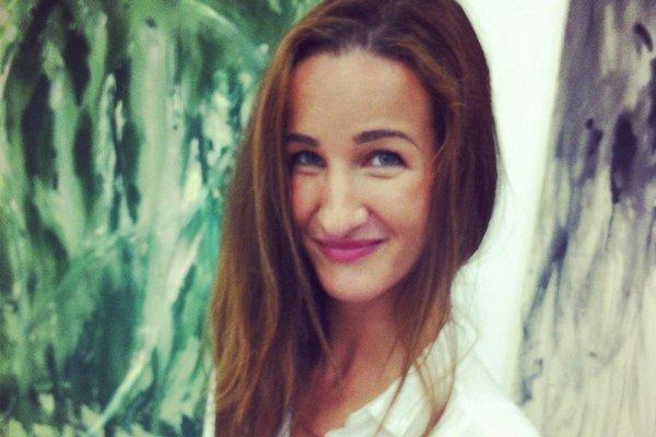 Katarína Janečková, maliarka. Minulý rok ukončila štúdium na VŠVU u profesora Ivana Csudaia a v týchto dňoch pripravuje samostatnú výstavu v galérii aukčného domu SOGA.