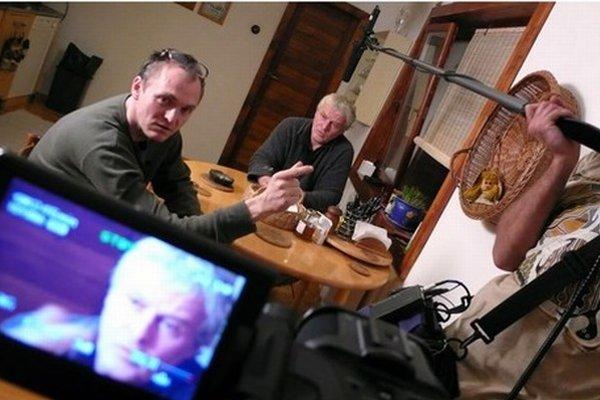 Pri nakrúcaní filmu Kauza Cervanová stretol Robert Kirchhoff (vľavo) mnohých zúčastnených, nie všetci však boli ochotní  rozprávať.