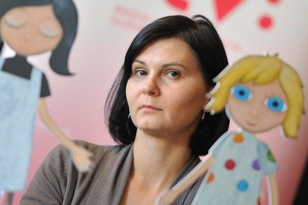 Katarína Kerekesová (39) - narodila sa v Žiline, vyštudovala animovanú tvorbu na VŠMU v Bratislave. Ilustrovala knihu Čarodejník z krajiny Oz a nakrútila snímky Milenci bez šiat, Pôvod sveta (cena Igric), Kamene (cena Slnko v sieti a Grand Prix z taliansk