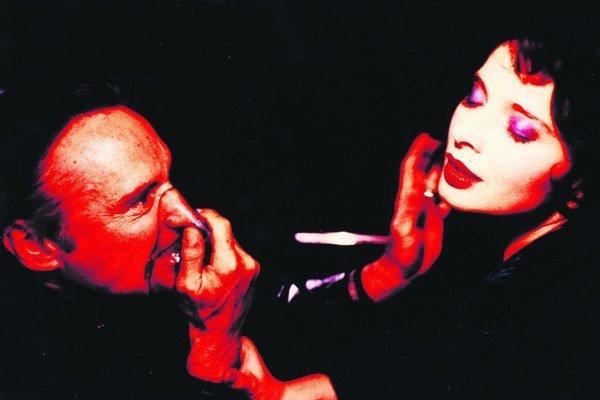 Dennis Hopper a Isabella Rossellini v Modrom zamate.