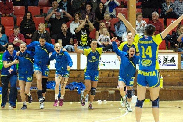 Michalovské hádzanárky sú najlepším ženským tímom na Slovensku. Cez víkend budú chcieť dokázať, že sú lepšie aj ako český majster.