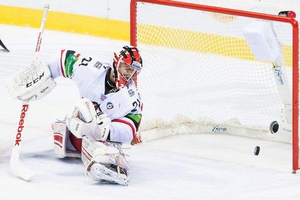 Brankár Jekaterinburgu Jakub Kovář dostal rovnako ako jeho náprotivok v riadnom hracom čase iba jediný gól.