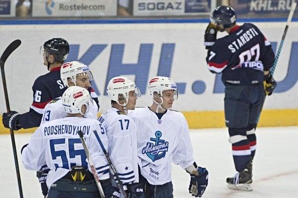 Hokejisti Slovana Bratislava vstup do novej sezóny KHL nezvládli. Doma nestačili na Admiral Vladivostok.