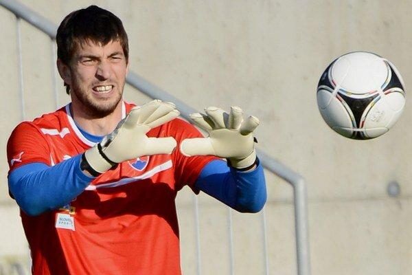 Kuciak pôsobí v Legii od roku 2011, keď prišiel z rumunského mužstva Vaslui.