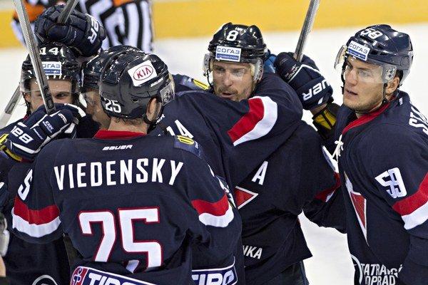 Hokejisti Slovana Bratislava získali v prvých šiestich zápasoch sezóny deväť bodov.