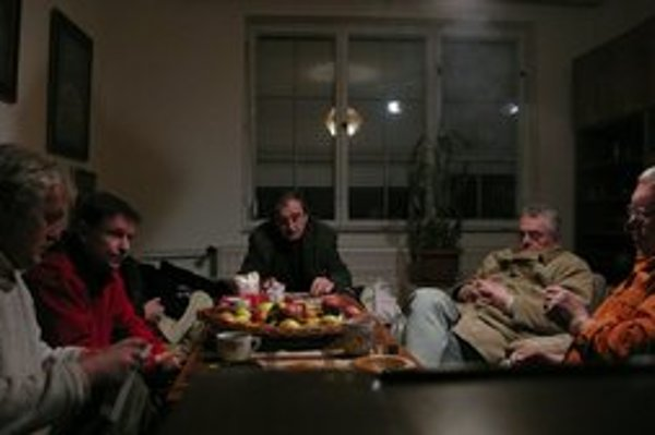 Viac než o odsúdených ľuďoch tento film vypovedá o slovenskom súdnictve a o tom, prečo je tam, kde je.