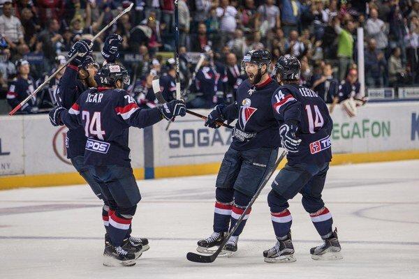 Slovan síce s Petrohradčanmi nakoniec ťahal za kratší koniec, za predvedený výkon si však zaslúži pochvalu.