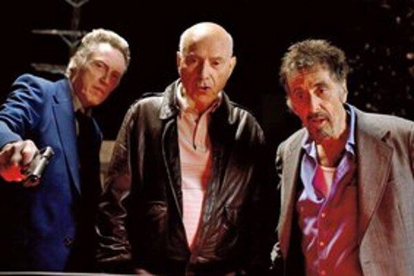 Zľava Christopher Walken, Alan Arkin a Al Pacino v kriminálnej komédii Ako za starých čias.