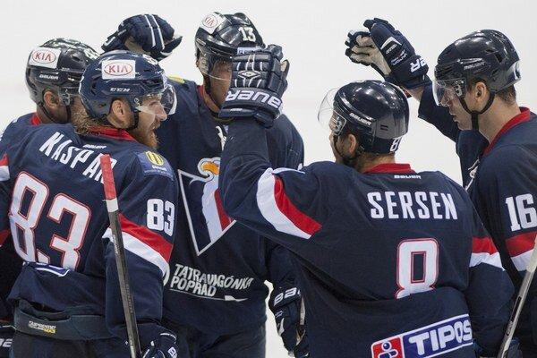 Hokejisti Slovana Bratislava ukončili vo štvrtok štvorzápasovú sériu výhier. S Petrohradom prehrali 1:2 po predĺžení.