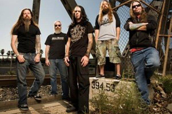 Lamb of God na snímke z roku 2009. Randy Blythe (v strede) je podľa súdu nevinný.