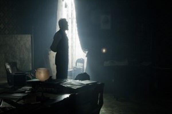 Daniel Day-Lewis je v úlohe amerického prezidenta Lincolna jedným z najväčších favoritov na Oscara.