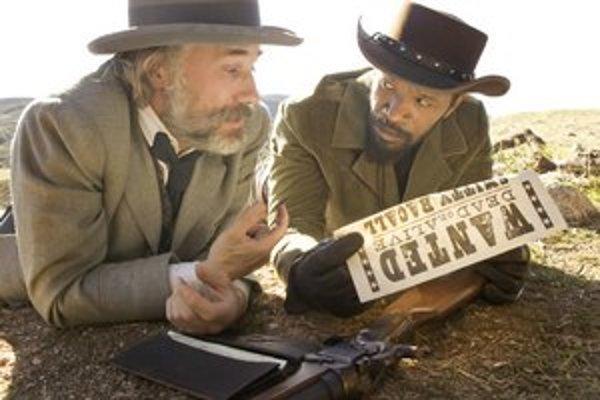 Divoký Django: Christoph Waltz a Jamie Foxx, kovboji na stope otrokárom.