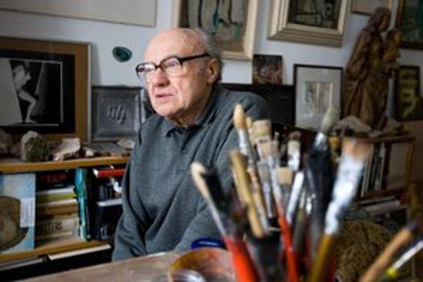 Rudolf Fila, narodený 19. júla 1932 v Příbrame, absolvoval Školu umeleckého priemyslu v Brne a Vysokú školu výtvarných umení v Bratislave. V rokoch 1960 až 1990 učil v bratislavskej Škole umeleckého priemyslu a potom dva roky viedol ateliér voľnej maľby n
