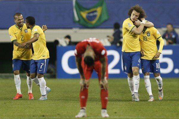 Brazílčania sa radujú z ťažko vydolovaných troch bodov, futbalisti Peru mali prekvapenie na dosah.