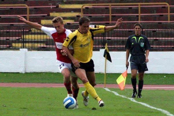 V roku 2006 si krátky čas obliekal Petr Švancara aj žlto-čierny dres Interu Bratislava.