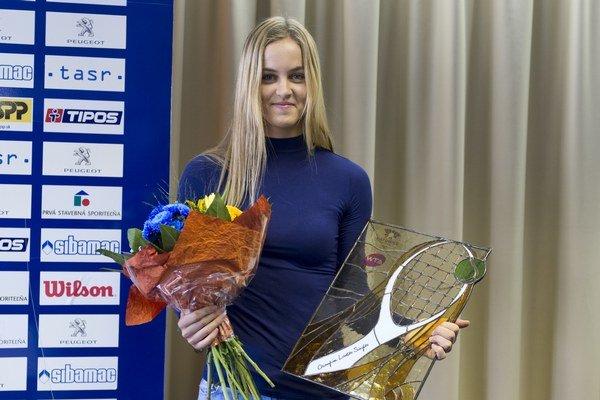 Schmiedlová so svojou prvou trofejou na okruhu WTA.