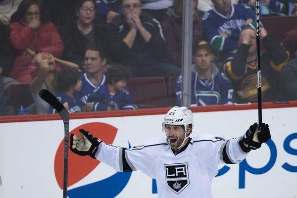 Stoll odohral v NHL takmer 800 zápasov.
