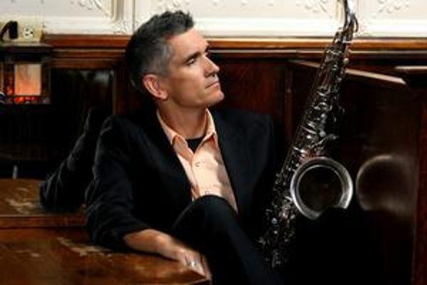Charizmatický saxofonista Curtis Stigers.