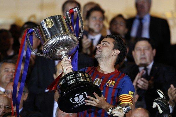 Xavi Hernández je legendou FC Barcelona.
