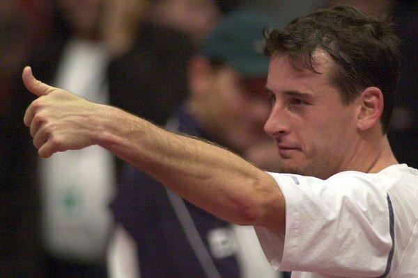 Takto sa Andrei Pavel radoval v roku 2002 po víťazstve nad Dominikom Hrbatým v baráži o účasť vo svetovej skupine Davisovho pohára.