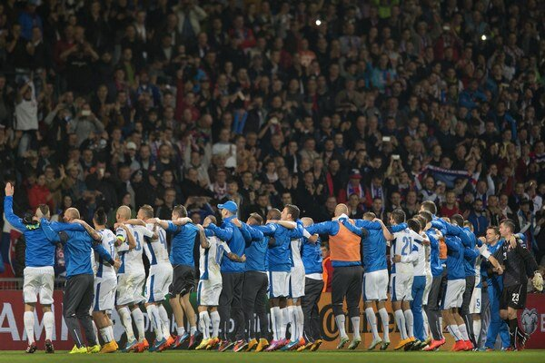Slovenských futbalistov bude v kvalifikácii opäť hnať dopredu početná divácka kulisa.