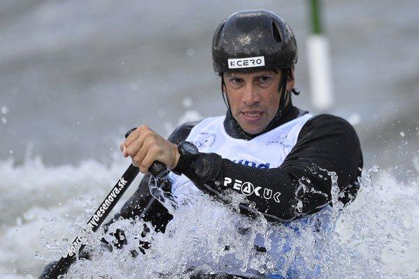 Vodný slalomár Alexander Slafkovský.
