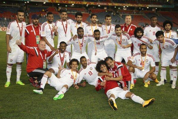 Futbalisti Spojených arabských emirátov po triumfe v zápase o 3. miesto.