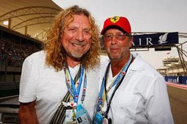 Robert Plant (vľavo) a Eric Clapton majú dnes veľa spoločného. Okrem hudby sa napríklad stretávajú aj na pretekoch F1.