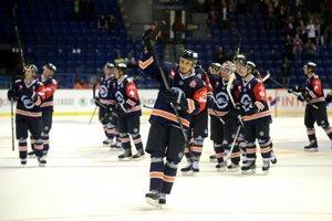 Hráči HC Košice po víťazstve 4:3 v zápase hokejovej Ligy majstrov proti Kölner Haie v Košiciach 8. októbra.