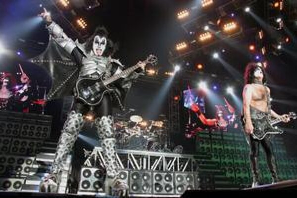 Ak sa hovorí, že raz vidieť je lepšie ako dvakrát počuť, v prípade Kiss to platí špeciálne. Privezú tradičné kostýmy aj veľa efektov.