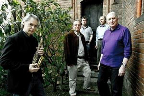 Vrcholom by mal byť projekt Officium Novum,  dielo Jana Garbareka a speváckeho zboru The Hilliard Ensemble.