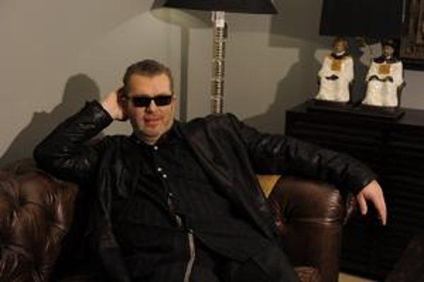 Richard Müller je spokojný - comeback s novým albumom Už mu vyšiel.