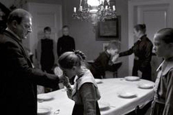 Biela stuha, dráma Michaela Hanekeho.