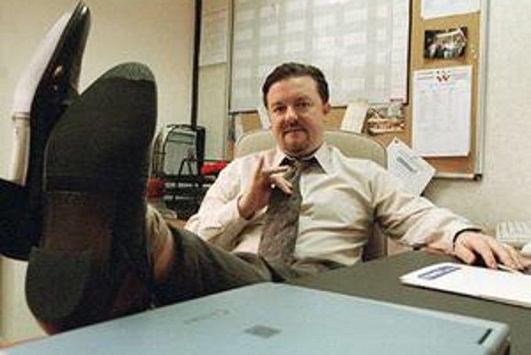 Vyhlasovaním Zlatých glóbusov bude 17. januára sprevádzať Ricky Gervais, preslávený postavou šéfa zo seriálu The Office. Česi ho vysielali a vydali na DVD pod názvom Kancl.