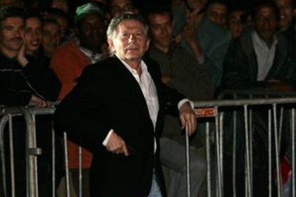 Roman Polanski je dnes za mrežami, ale robiť filmy neprestal ani tam.