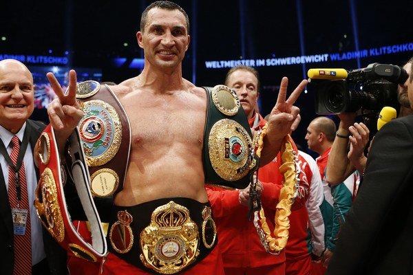 Vladimir Kličko je majstrom sveta v superťažkej hmotnosti štyroch rôznych boxerských federácií - IBF, IBO, WBO a WBA