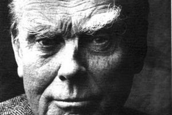 Czeslaw Milosz  z Poľska emigroval. Doma mu knihy vyšli až po udelení Nobelovej ceny.
