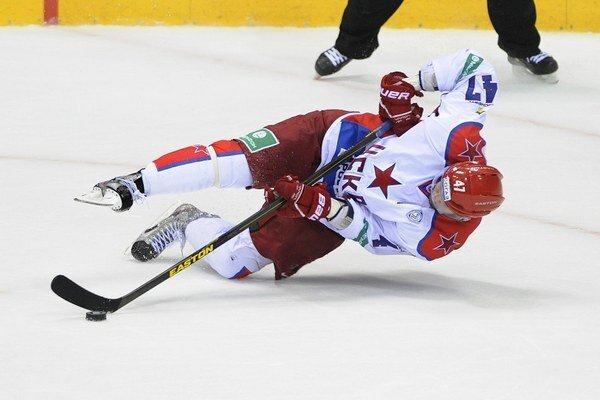 Radulov počas zápasu na ľade Slovana Bratislava.