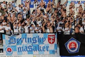 Problémy s fanúšikmi Slovana boli aj počas finále Slovnaft cupu.
