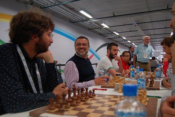 Slovenskí šachisti počas olympiády.