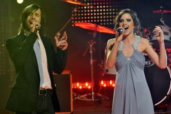 Pesnička Leť tmou v podaní Kamila Mikulčíka a Nely Pociskovej nás bude reprezentovať na Eurovízii v Moskve. Postúpi aj tam do finále?