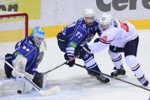 Americká posila Slovana Matt Murley (vprvao) v príprave proti Chabarovsku.