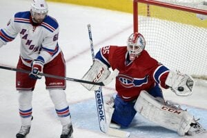 Dvadsaťštyriročný Dustin Tokarski dostal prvú veľkú šancu v NHL až teraz.