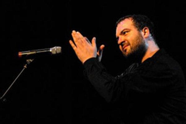 Gitarista a spevák Ivan Tásler.
