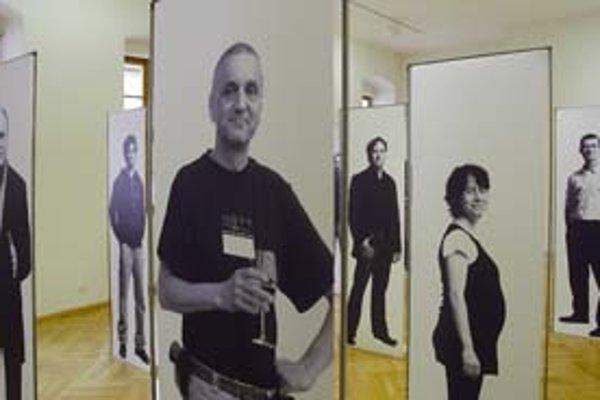 Z výstavy Generácia+. Českú architektúru približuje aj David Vávra (v popredí).
