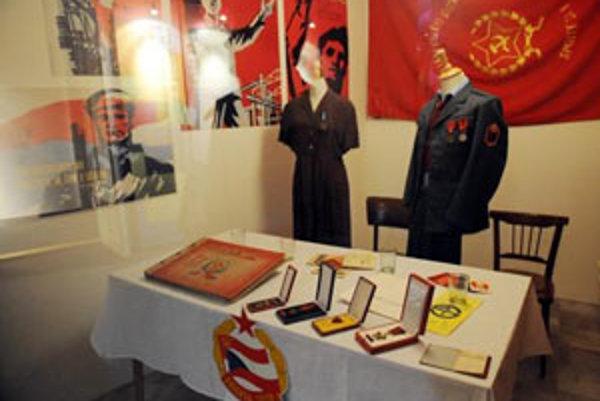 V piatok 15. februára 2008 SNM v Bratislave sprístupní pre verejnosť unikátny výstavný projekt, ktorý je zároveň aj najväčším projektom SNM v roku 2008 - Ako sme žili. Slovensko v 20. storočí.