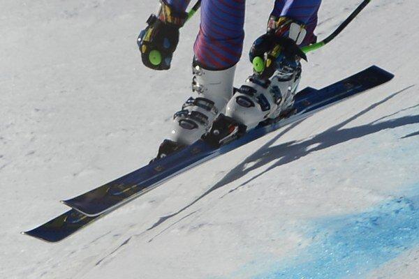 Majstrovstvách sveta juniorov v alpských lyžiarskych disciplínach sa v Jasnej v Nízkych Tatrách začali dnes.